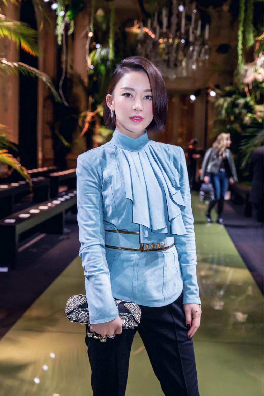 """潘晓婷亮相巴黎时装周 演绎 """"新法式风格"""""""