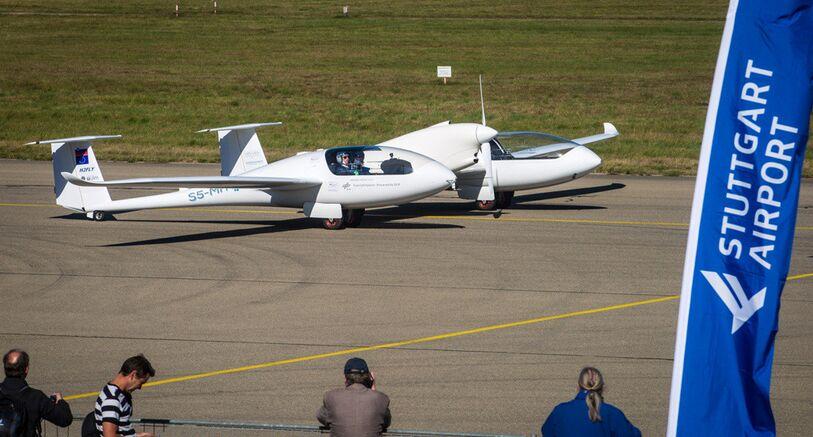 全球首架4人座混合燃料电池飞机德国试飞