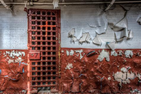 死亡幽谷:美摄影师拍摄荒芜无人监狱