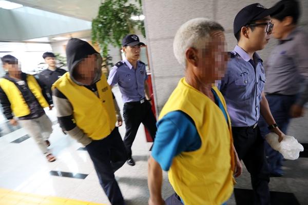 中国渔船在韩国海域起火3人死亡 幸存船员被带走调查