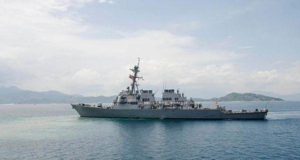 美军舰越战后首次停靠金兰湾 加强美越海军合作