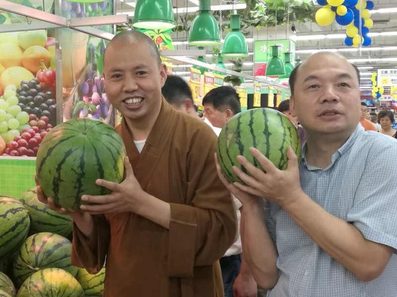 """杨建国:""""果子们""""的代言人 互联网+助脱贫"""