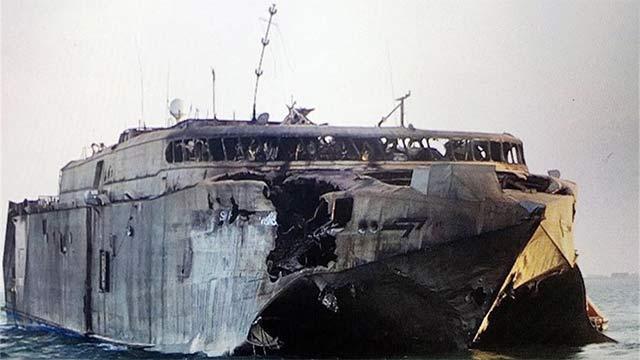 美先进运输船被击毁面目全非