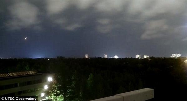 美国上空惊现巨型火球 目击者报警后方知真相