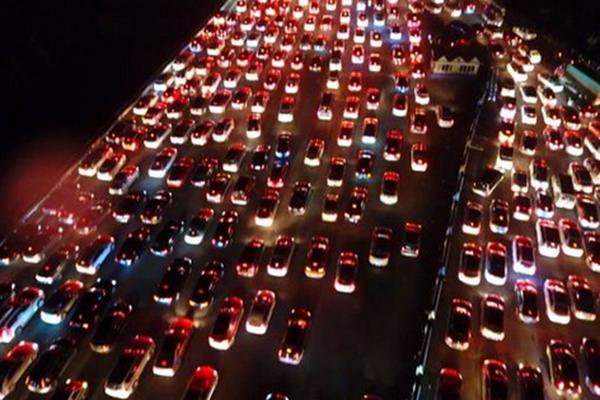 昨晚,京港澳高速进京方向是这样的…