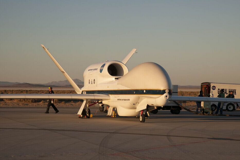 """NASA 部署""""全球鹰""""无人机 监控飓风""""马修"""""""