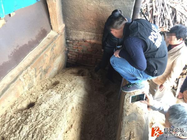 湖南一男子疑遭活埋致死 警方:系误埋