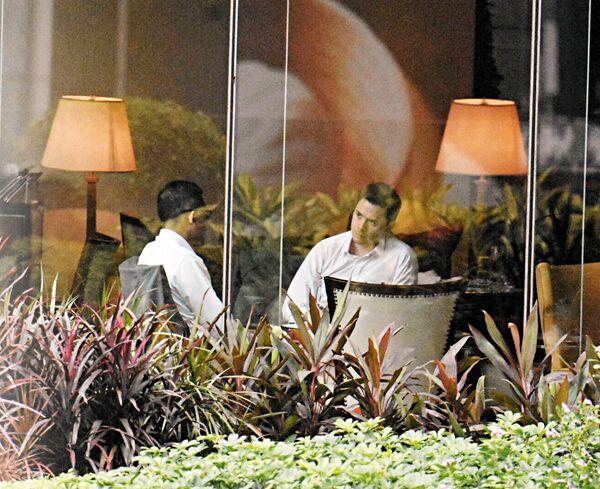 """英驻港副领事密会香港立法会议员 曾出席""""占中""""餐会"""