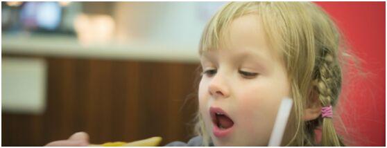研究:快餐店套餐增加儿童卡路里摄入