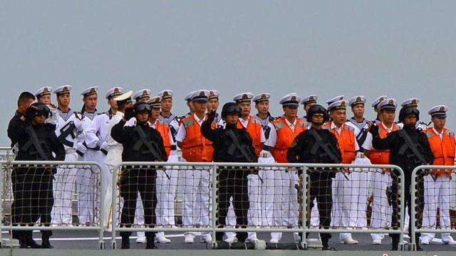 护航编队访问马来西亚展示实力