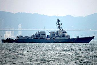 美宙斯盾舰停靠香港和056舰遥遥相对