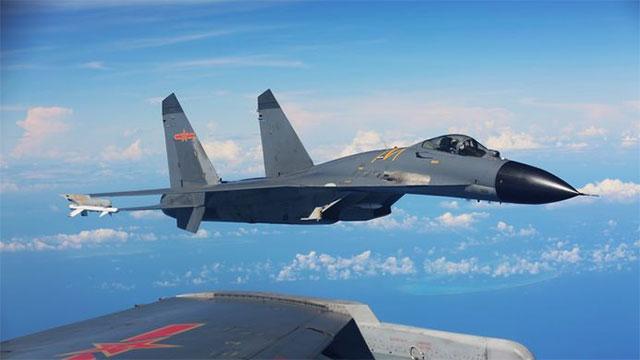战机从北方奔袭千里抵达南方训练