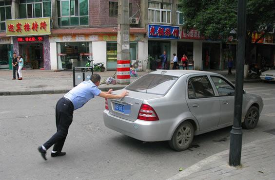 停车熄火后出现异响 老司机教你一招解决