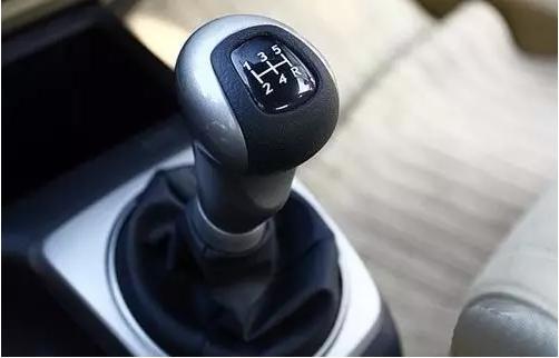 新车拉高速很多人都理解错了 不光费油还毁车