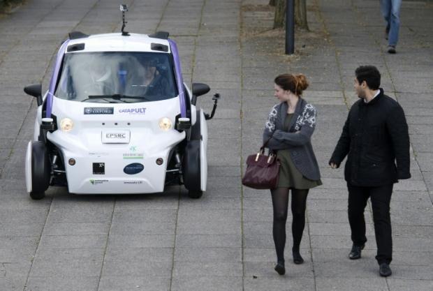 无人驾驶载客汽车在英国首度上路试驾 有望商用