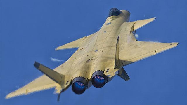 T50跟歼20同角度对比更像三代机
