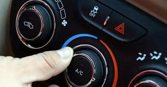 冬天汽车开空调不费油 但暖风千万不能吹脸