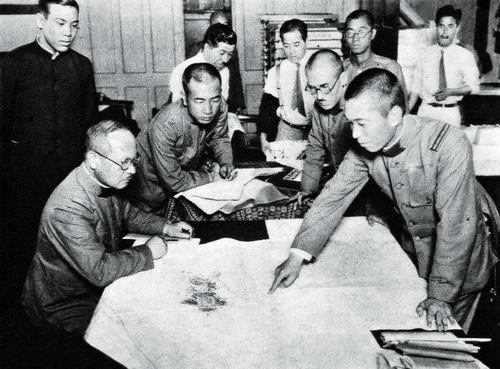 """无所不知到一无所知 抗战中的日军 """"中国通"""""""
