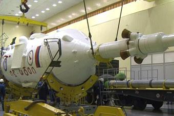俄罗斯紧随中国发射载人飞船