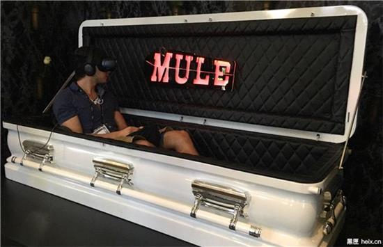 史上最黑暗VR体验:坐棺材里看自己被活埋