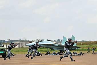 敌特占领机场警卫分队绝地反击