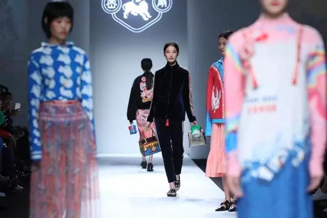 """对话密扇设计师&创始人韩雯 当代中国时尚圈的""""西太后"""""""