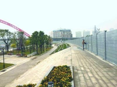"""武汉造""""防洪神器""""亮相:可拦30米高洪水"""