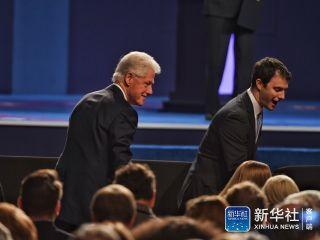 美国大选今日最后一辩 特朗普希拉里互黑到底