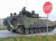 瑞典军演战车展示强大军工实力