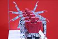 2016世界机器人大会开幕 智能机器人斗智斗勇