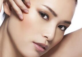 研究发现:长粉刺的皮肤不容易衰老