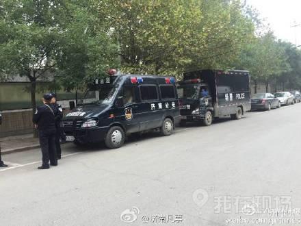 济南郭店中学发生持刀砍人案 警方准备强攻