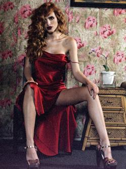 95后女星贝拉·索恩慵懒范儿写真