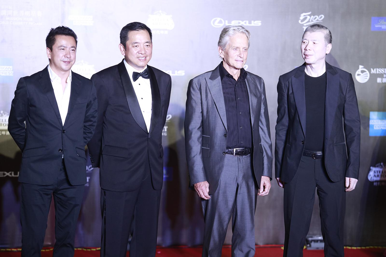 冯小刚直言电影人才匮乏 除了主创剩下都是民工