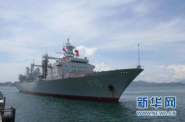 中国军舰首泊越南金兰湾 海军一等功臣带队