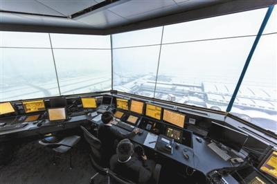 虹桥客机事故背后:空管系统低薪运转人才流失