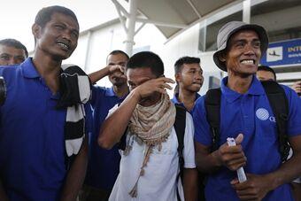 中国船员等26人获救 被海盗劫持4年半