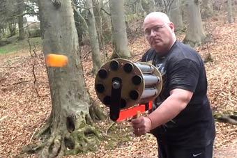 乒乓球版加特林机关枪亮瞎眼