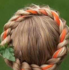 """万圣节说它快来了并扔给你一个""""南瓜头发"""" 还挺时髦!"""