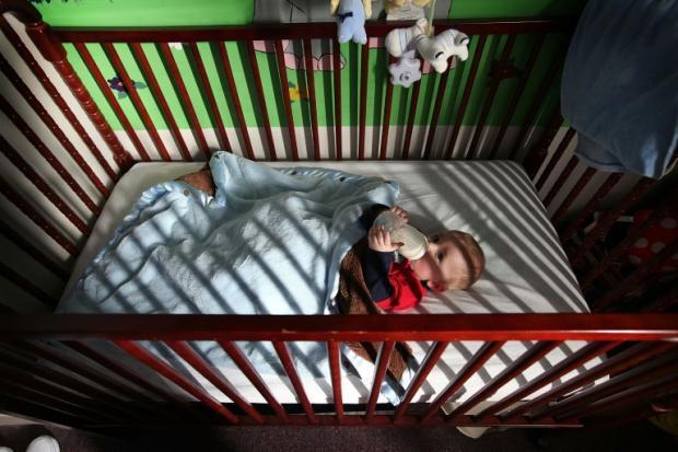 美医学界吁婴儿与家长同房不同床 以降低猝死风险