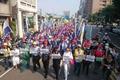 台湾2000余劳工走上街头 抗议蔡当局休假政策