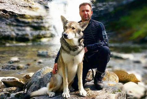 挪威摄影师和爱犬旅行 记录美好瞬间
