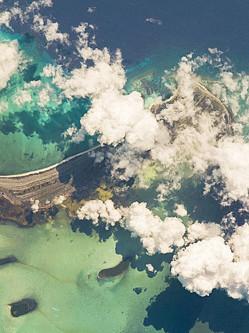 NASA太空视角展清澈美丽古巴拉戈岛
