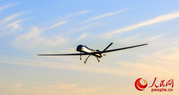 中国先进无人机扎堆亮相:新型隐身靶机酷似B-2
