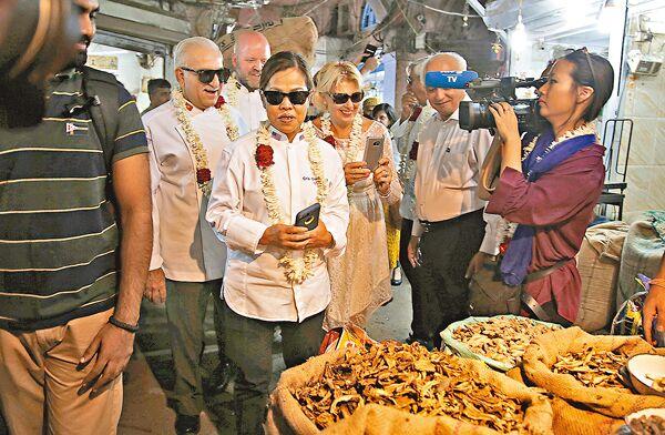 """世界""""御厨聚会""""首度在印度举行 多名大厨因吃辣病倒"""