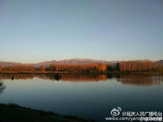 北京首场雪降落延庆海坨山(图)