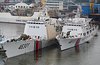 中国新建轻护版海警船扎堆港口