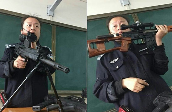 云南警校女教师扛枪上课走红