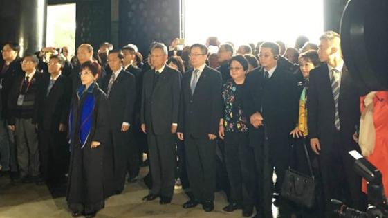 中国国民党主席洪秀柱抵达南京中山陵拜谒