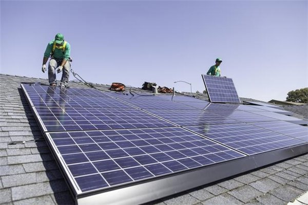 马斯克:打造电动汽车一样酷的太阳能屋顶